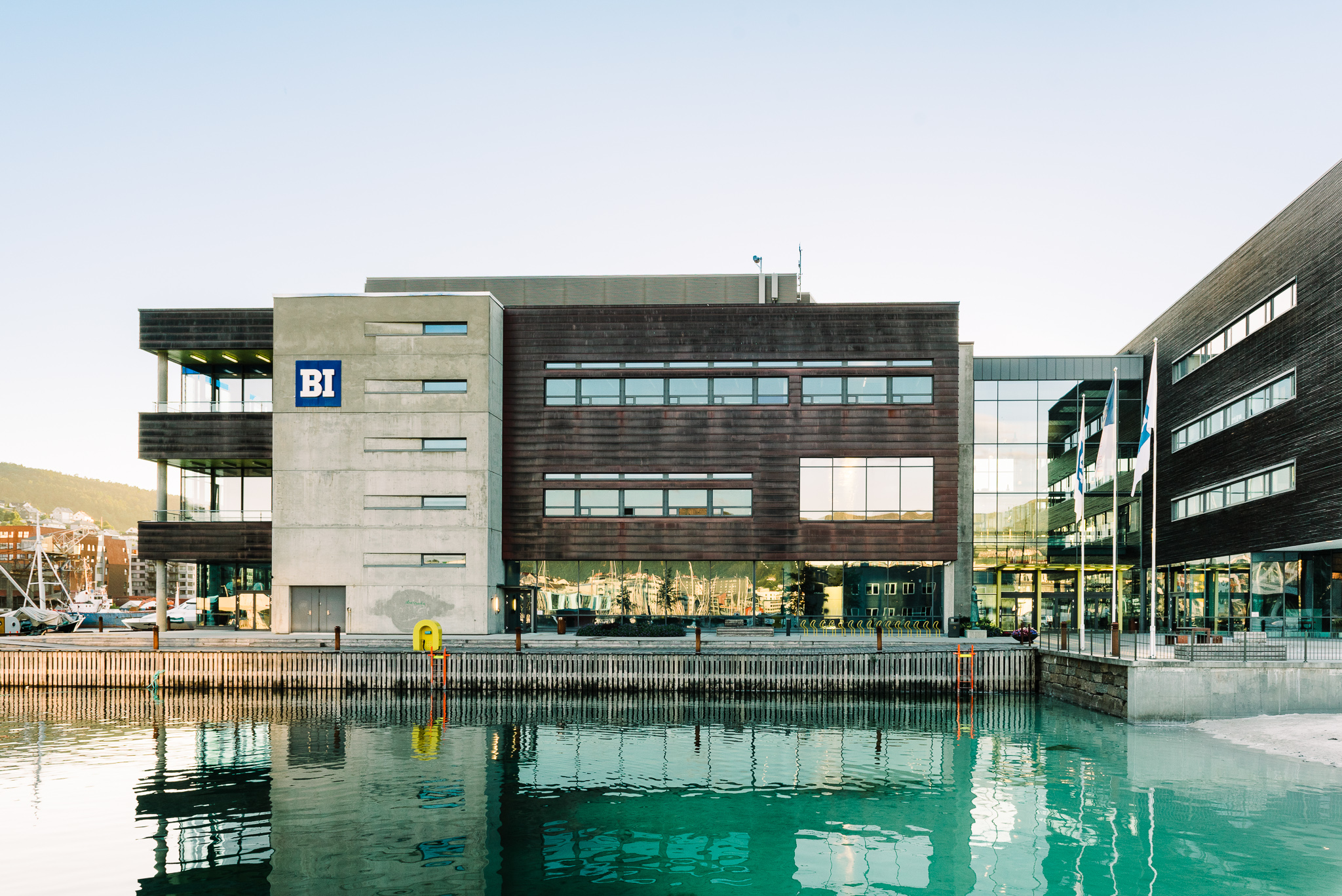 BI Bergen fasade og miljø - web - Cecilie Bannow - all rights reserved-5.._